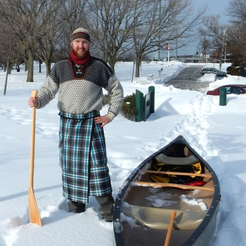 norsari-winter-canoe-with-will-daniels